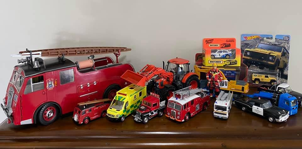 Grandpa Simpson's Collectibles: Diecast Model Emergency Vehicles & Rescue Service Figures