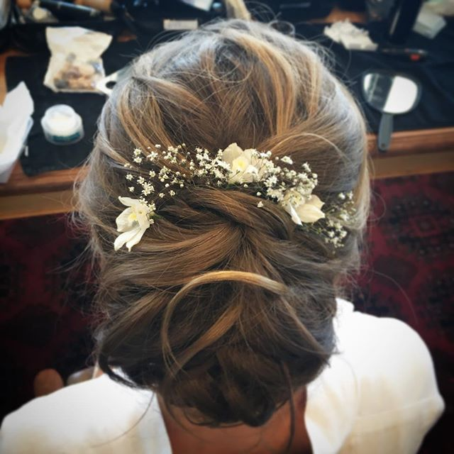bridal hairstyle low bun-Tauranga wedding