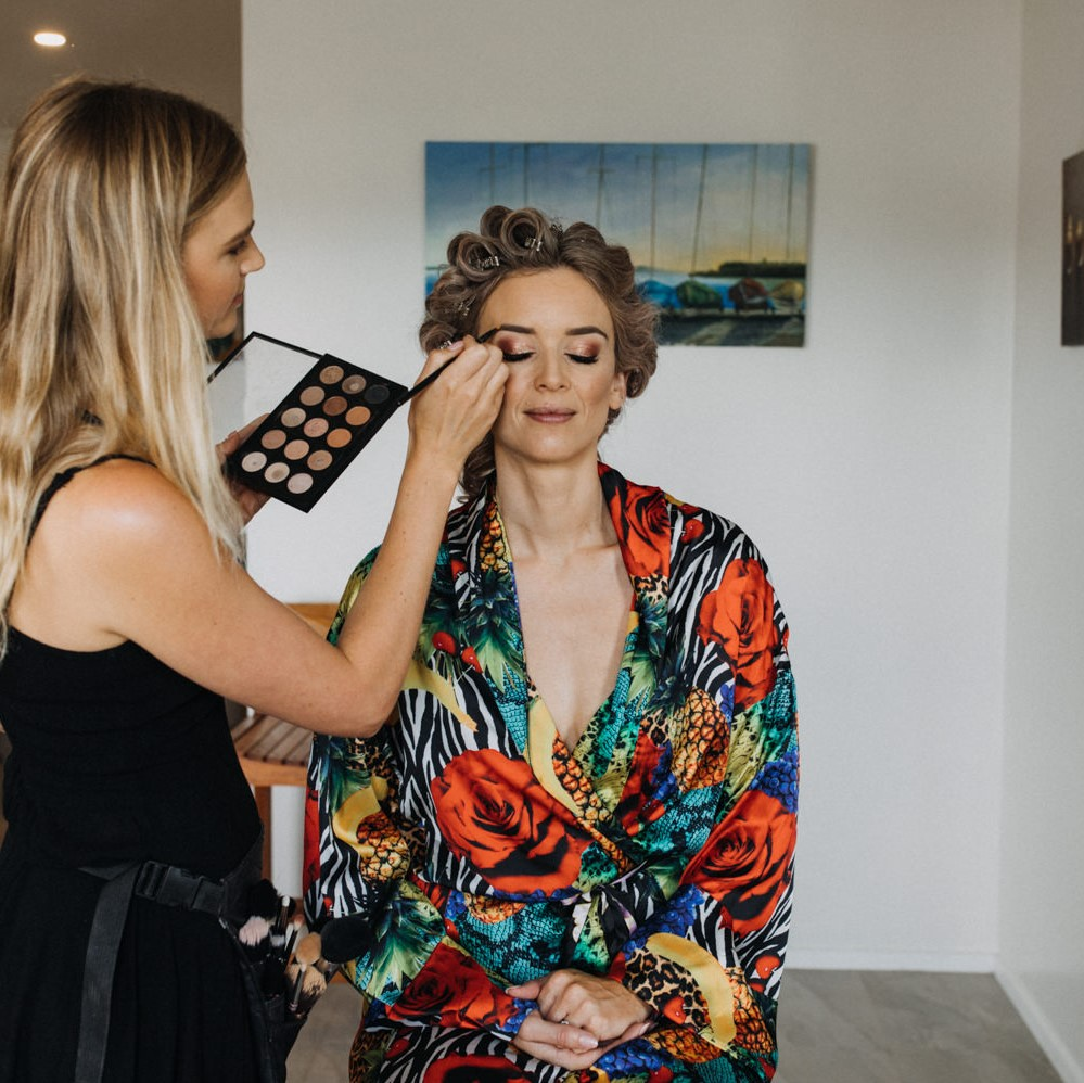 makeup artist 'Sita Engling' doing makeup on a bride