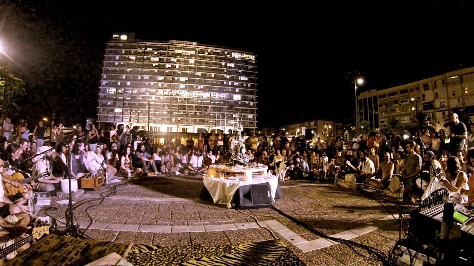 Unite in Babylon Israel - מעגלי שירה מקודשת בלב העיר